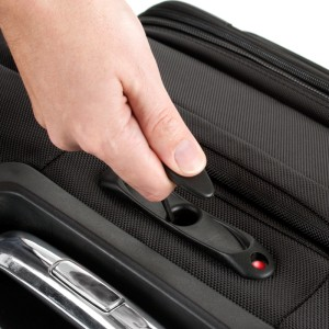 avoid airline overweight baggage charges with the built-in Delsey overweight indicator which warns if your total bag weight exceeds the 50 pound standard limit